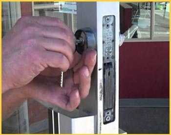 Locksmiths Of Chicago  Chicago, IL 312-585-3791